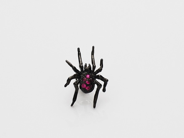 .TINY SPIDER PIERCE/RUBY.