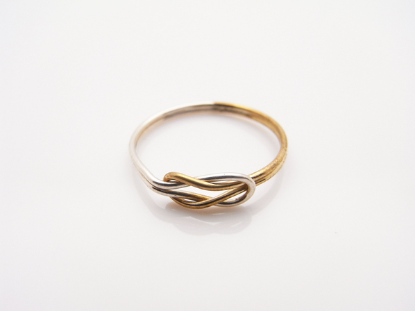 .MARRIAGE HERCULES KNOT RING.
