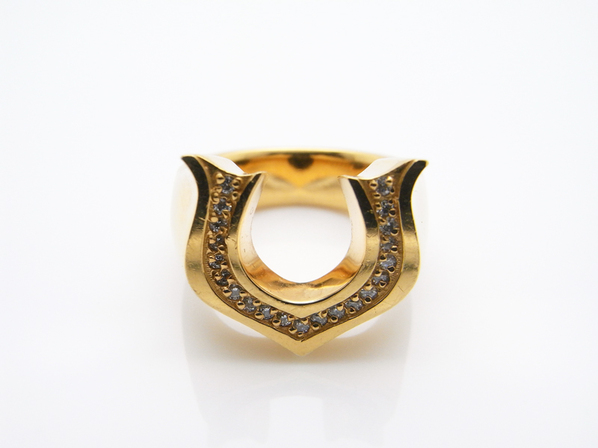 .NEO CLASSIC HORSE SHOE RING.