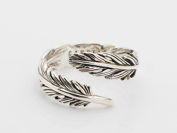 NATURAL FEATHER RING