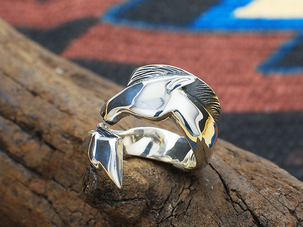 HORSE DANCE STICK RING