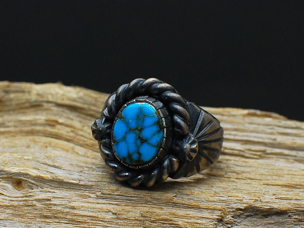 OLD CARDELARIA RING by C.W. × D.V.