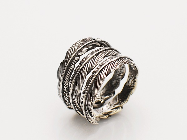 .TRINITY FEATHER RING.