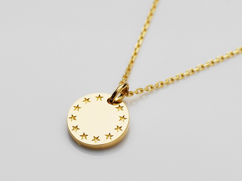 FEELING STAR NECKLACE