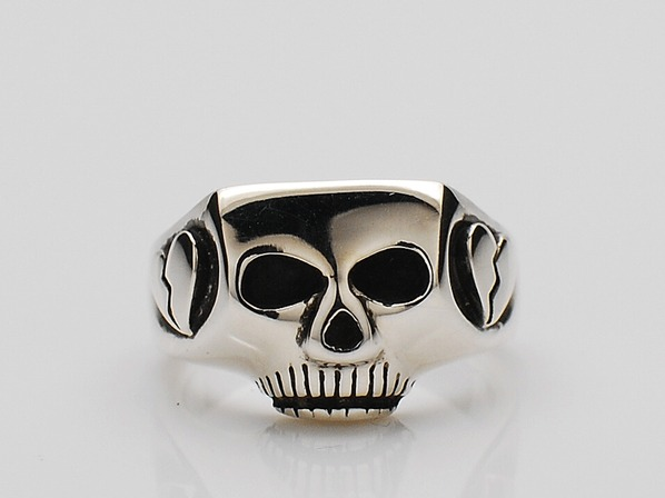 JIM SKULL RING/BROKEN HEART