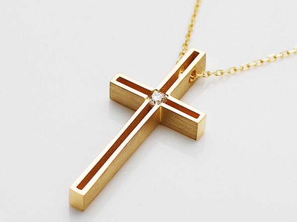 D.TWO ME CROSS NECKLACE