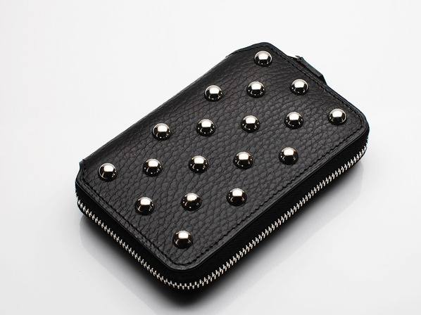 SHORT ZIP WALLET/CIRCLE STUDS