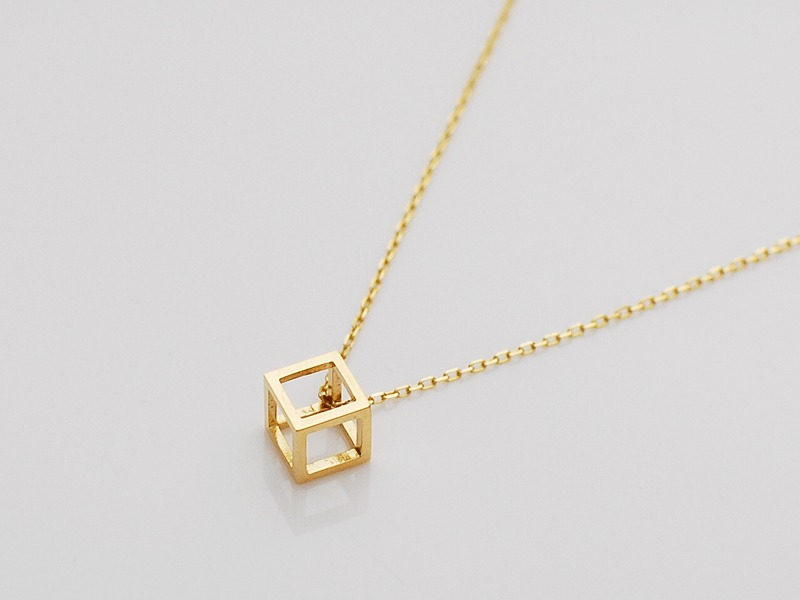 IP CUBE NECKLACE/K18YG