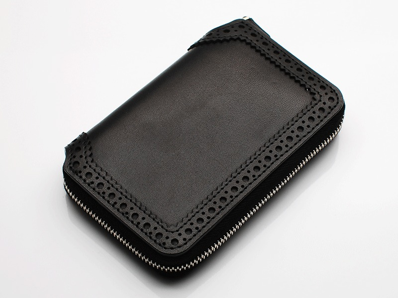 BROGUE ZIP WALLET SHORT