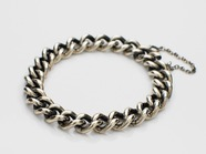 .Hollow Curblink Chain Bracelet.